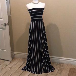 ELAN Stretchy Maxi Dress